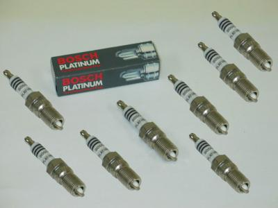 Corvette Bosch Platinum Spark Plug Set, Cast Iron Heads, 1976-1986