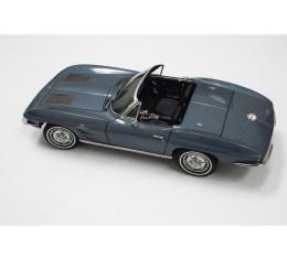 Corvette Die-Cast Model, Convertible, Auto Art, SebringSilver Blue, 1963